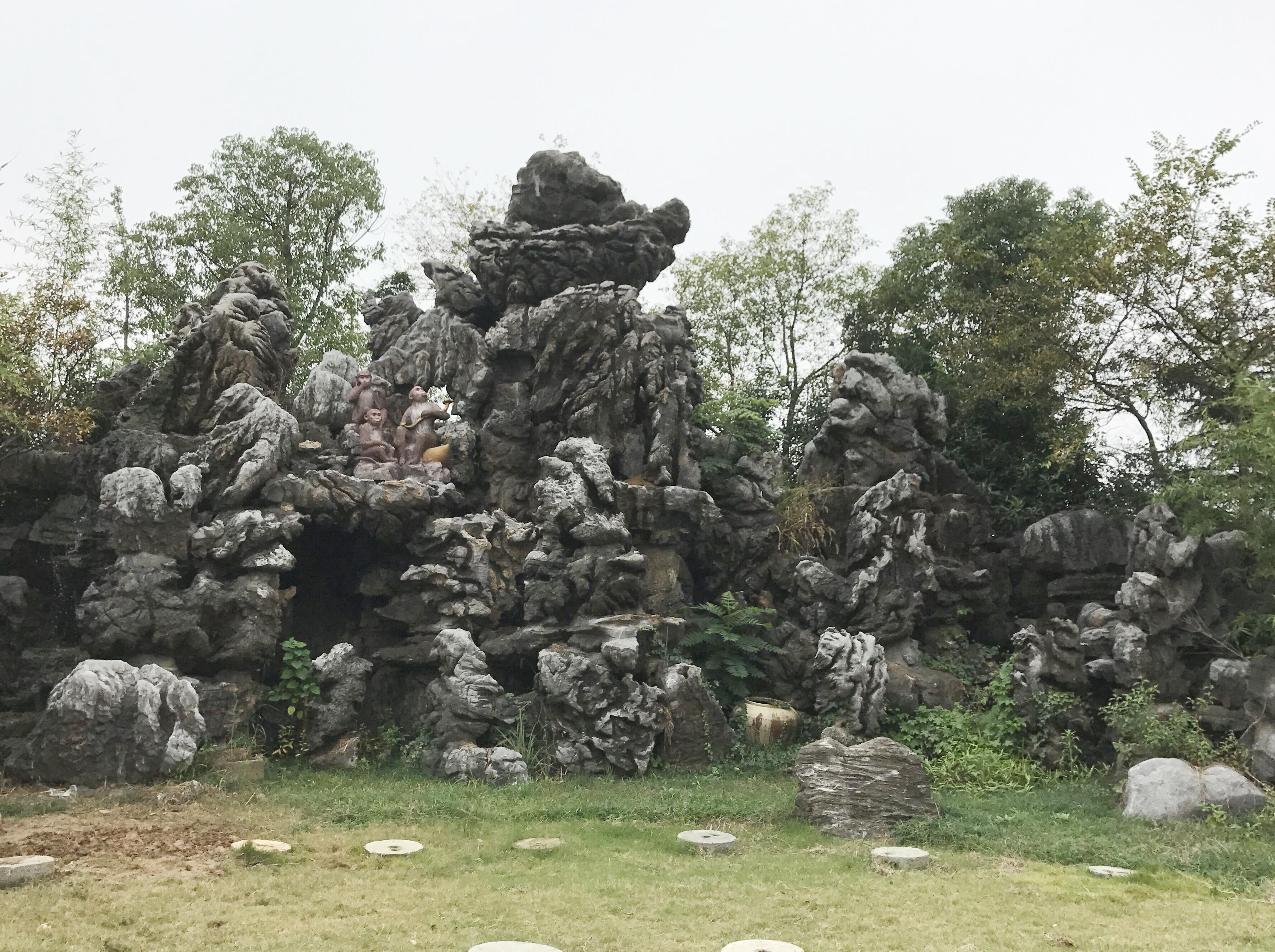 灵璧石假山_灵璧黄蛐蟮石如何_灵璧纹石